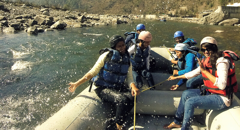 White Water Rafting at Pirdi for family (4 people, 10 KM, 40 – 50 min  approx)
