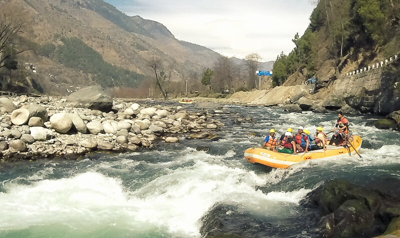 White Water Rafting at Pirdi on sharing basis (per person, 10 KM, 40 – 50  min approx)